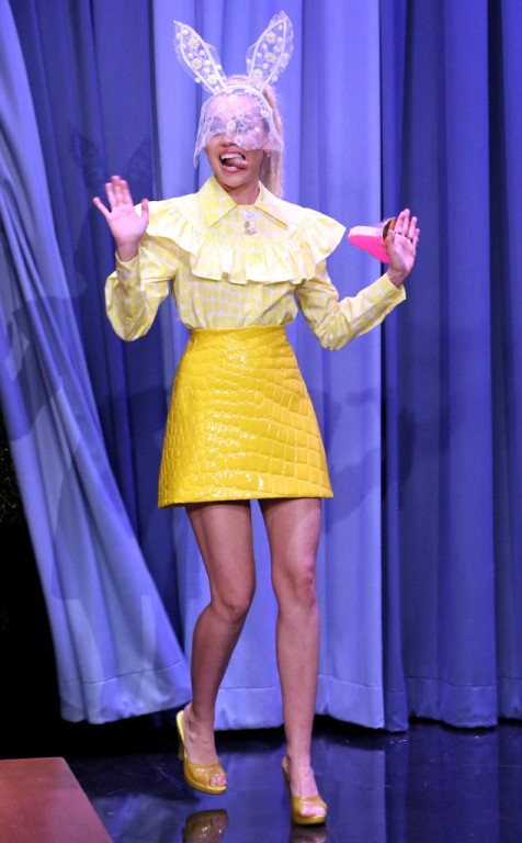 rs_634x1024-151001175954-634.Miley-Cyrus-The-Tonight-Show.ms.100115