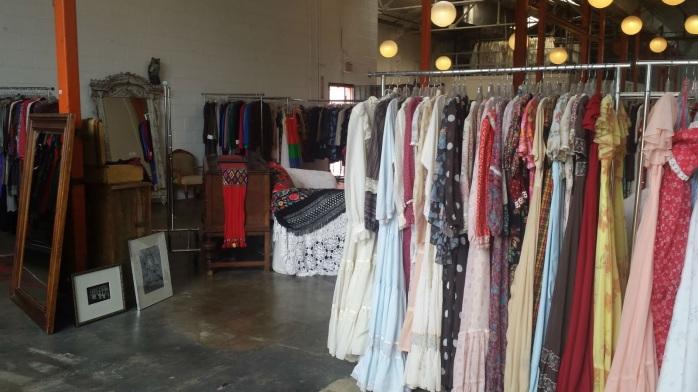 ShareenVintage-tienda-LosAngeles-interior